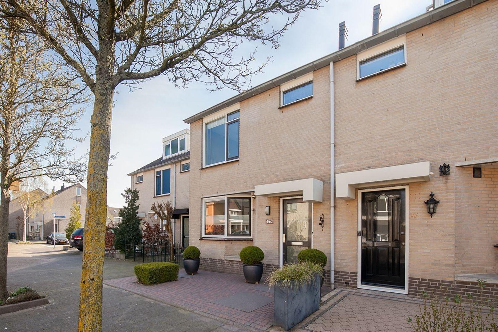 Mozartstraat, Barendrecht foto-1