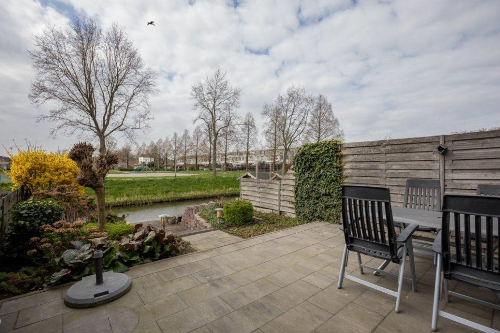 Van Embdenruimte 49, Zoetermeer foto-2