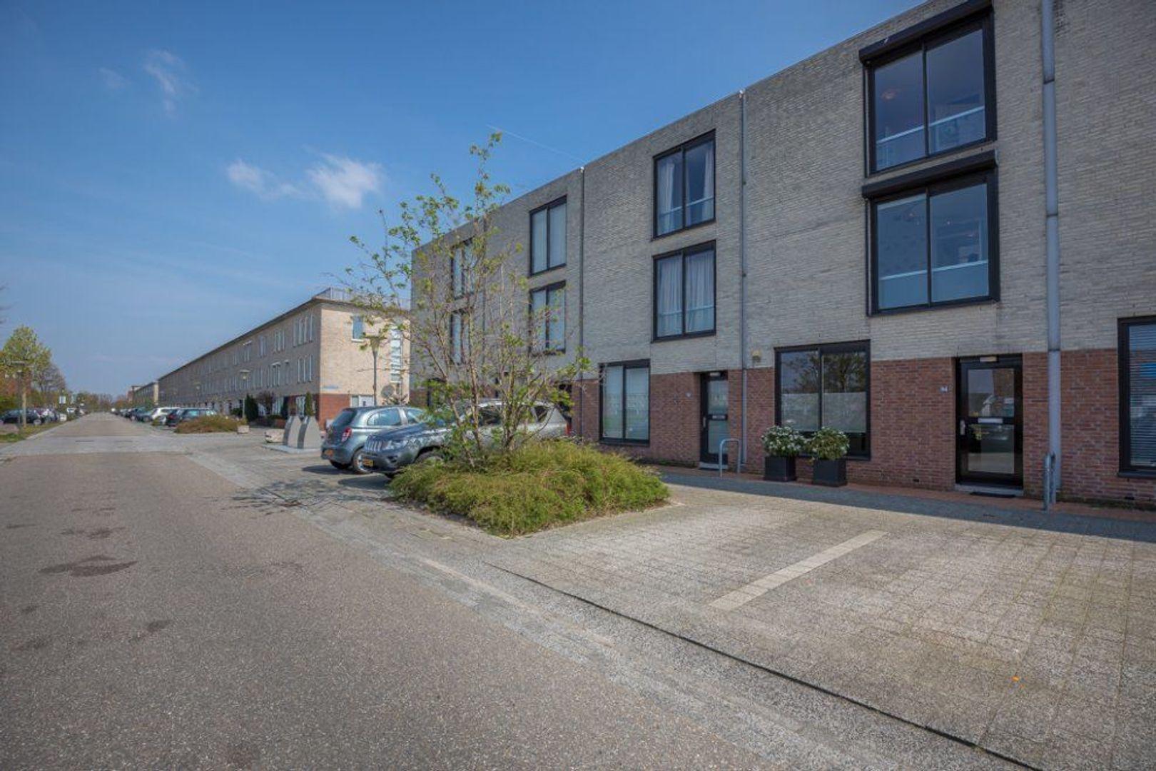 Nieuwlandstraat 94, Zoetermeer foto-0