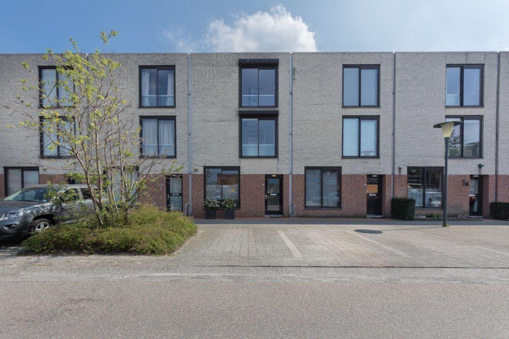 Nieuwlandstraat 94, Zoetermeer foto-1