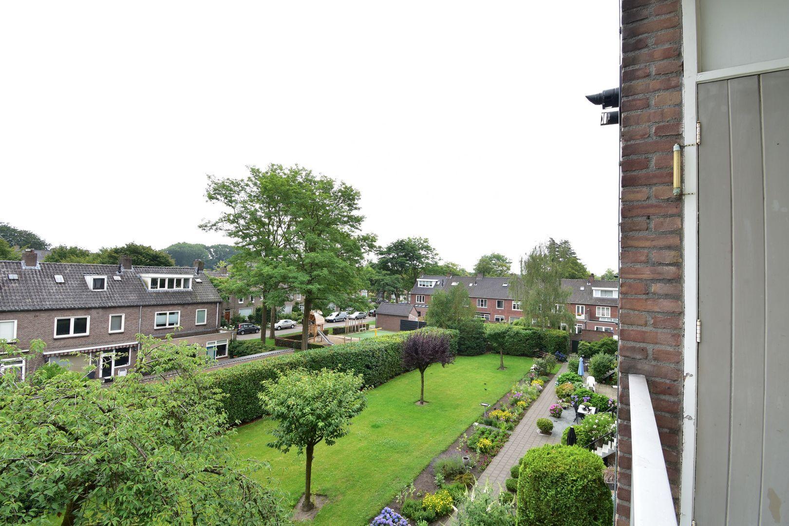 Graaf Hendrik III laan, Breda foto-7 blur
