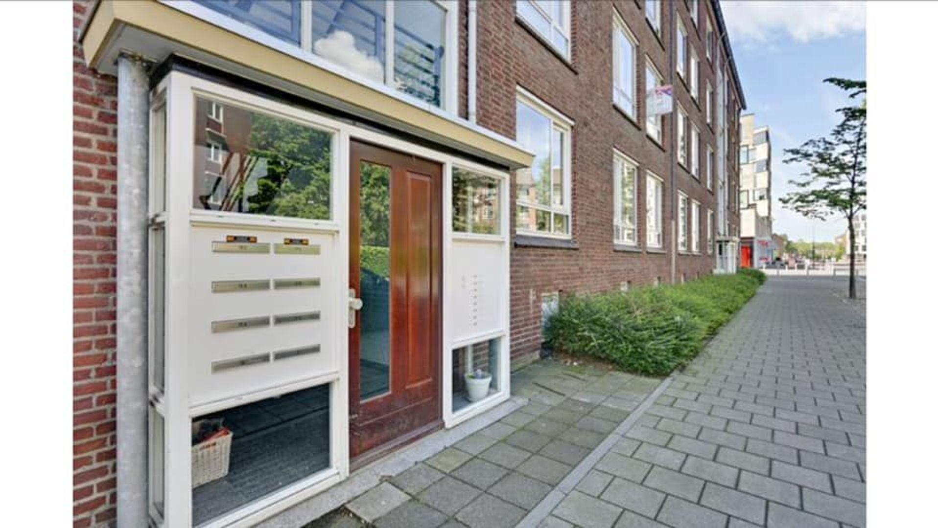 Dr. Struyckenstraat, Breda foto-16 blur